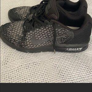 Nike Shoes - Nike air max shoes